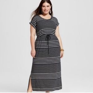 Ava & Viv Black White Striped Maxi Dress